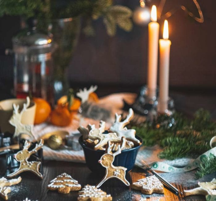 how to stage your kitchen during Christmas